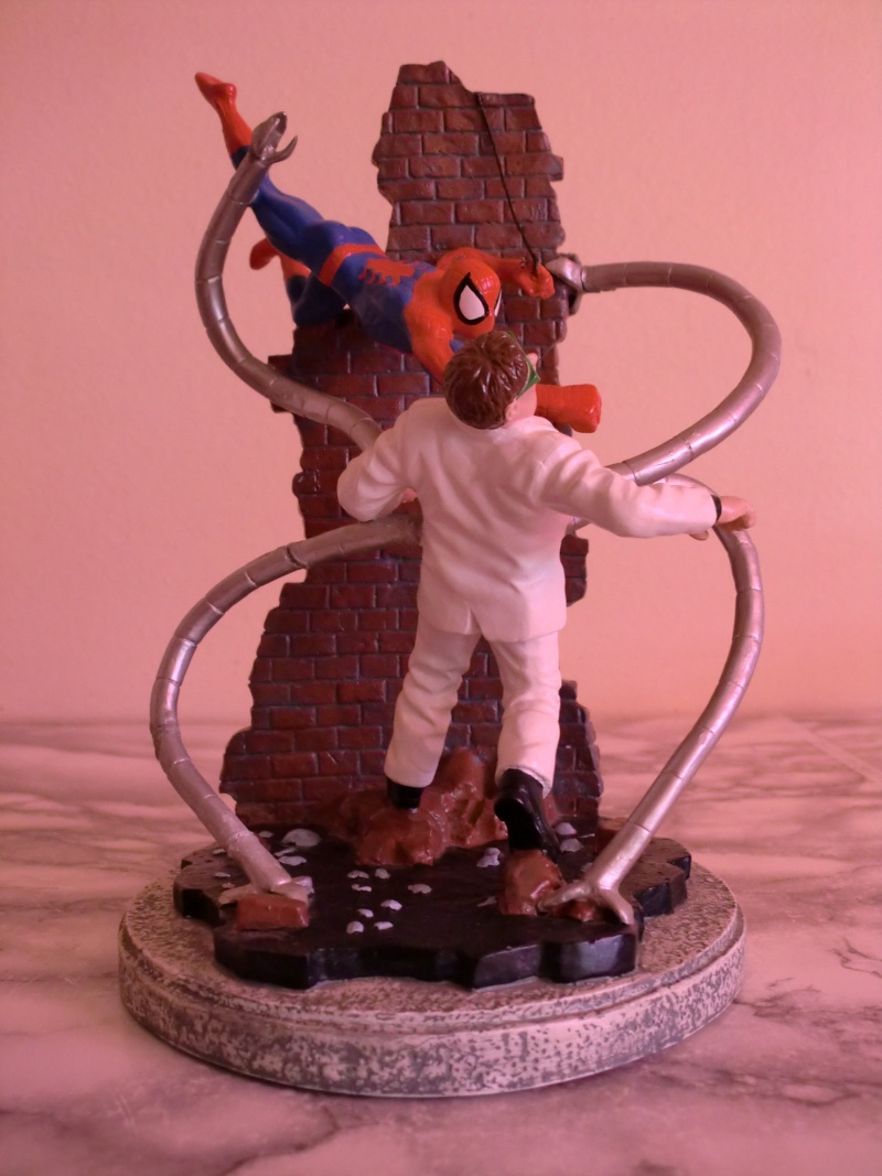 APPLAUSE : Spider-Man vs. Dr. Octopus diorama Cimg0112