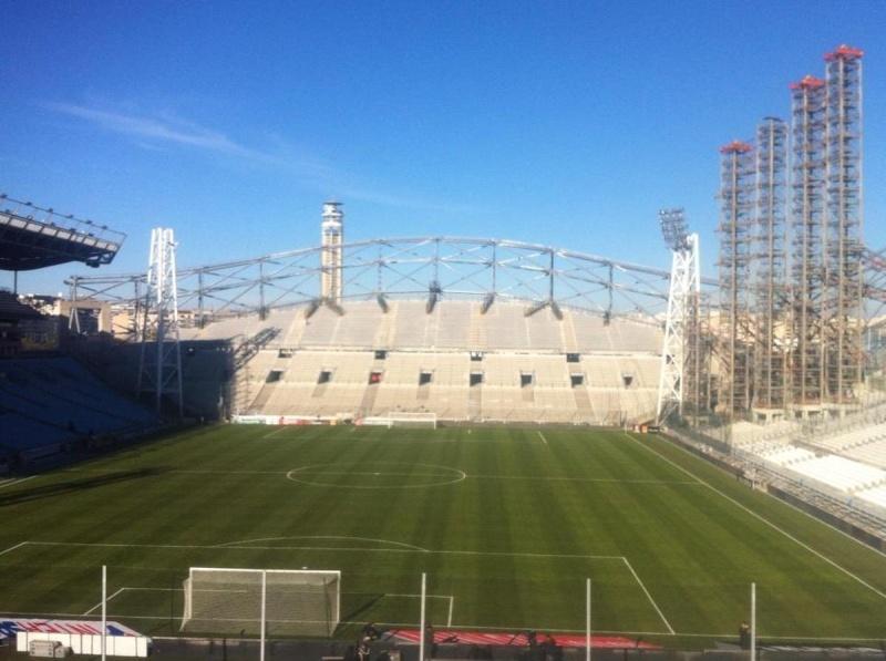 Stade Vélodrome (67,000 places fin estimée Juin 2014) 0110