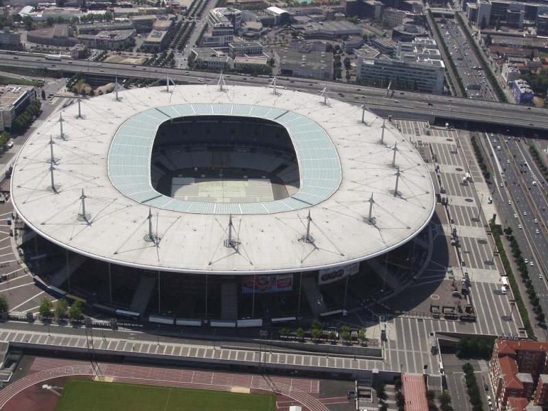 Stade de France (81 338 places fin estimée 2014) Saint-10