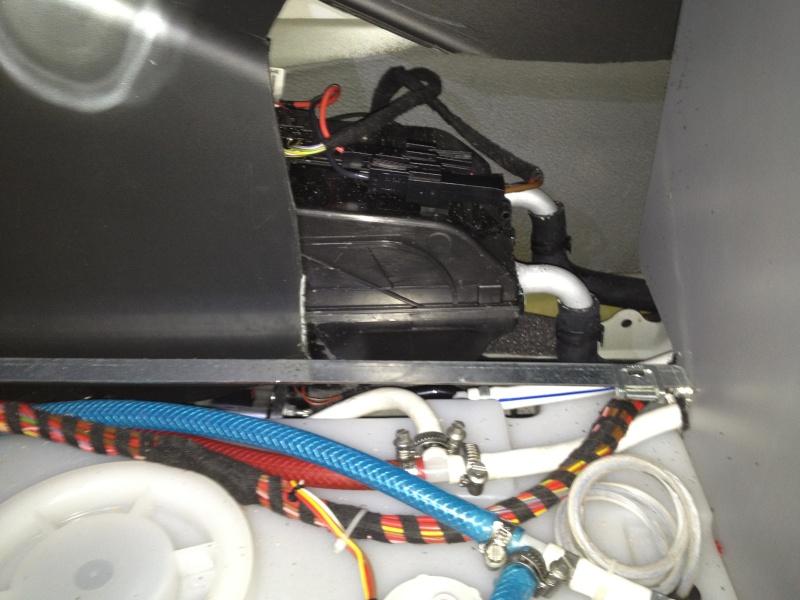 Eau chaude sur circuit moteur ou 220 v Img_3111