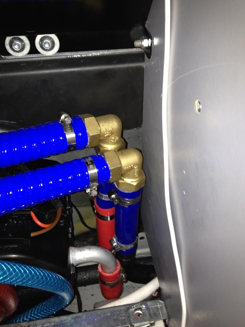 Eau chaude sur circuit moteur ou 220 v Img_3411