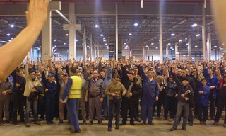 Batailles des travailleurs de l'automobile 2210