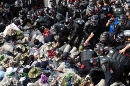 Batailles des travailleurs de l'automobile Koreas10