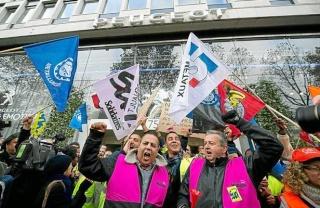 Batailles des travailleurs de l'automobile Sud-au10