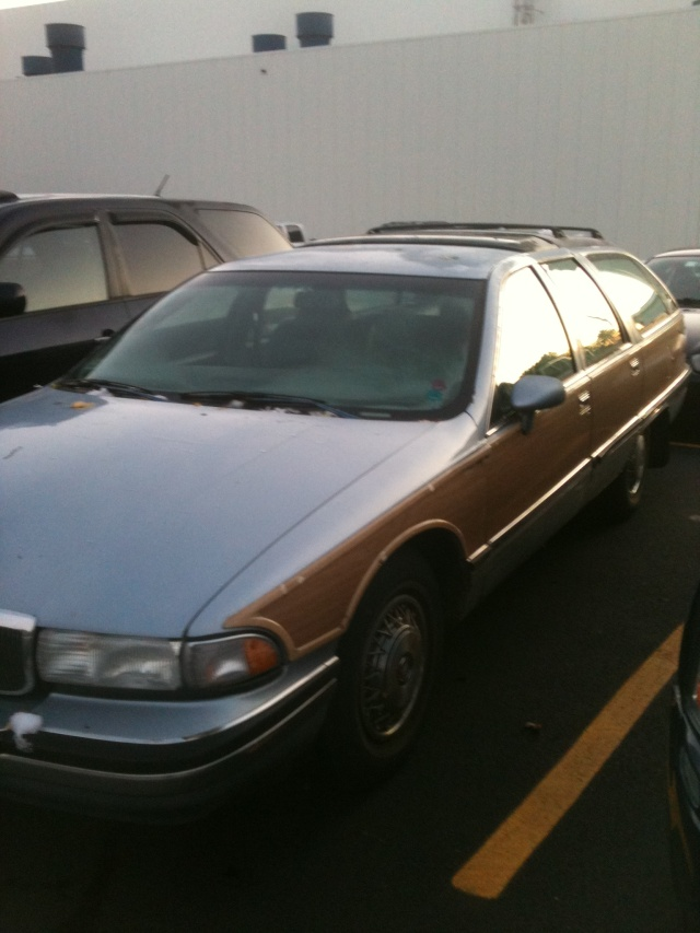 PARTING OUT 1994 roadmaster wagon ADRIATIC BLUE Img_0510