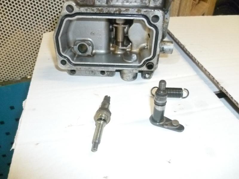 Fuite sur pompe à injection de LJ73 année 89 P1040623