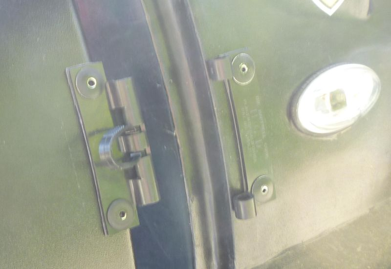 Demies portières basses rigides disponibles 611