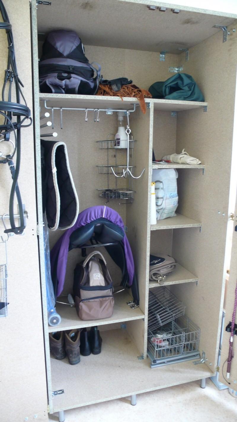 Fabrication d'une armoire de sellerie - Page 2 L1270612