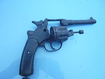 resto d'un revolver d'ordonnace suisse mod 1882 de fabrication belge  - Page 2 1_opt10