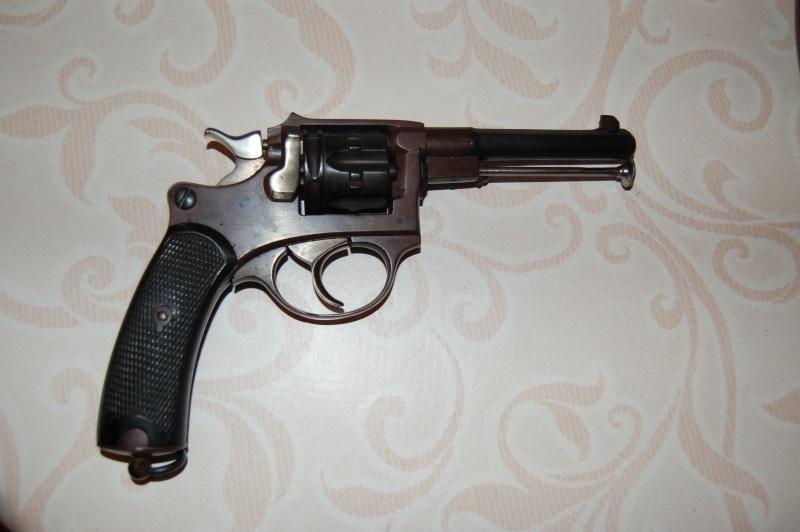 revolver ressemblant à un 92 Dsc_0113