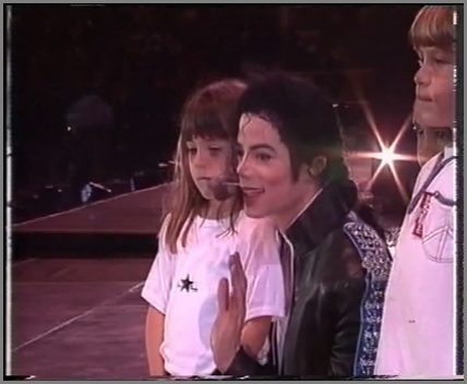 [DL] Michael Jackson HIStory Tour Auckland NewZealand 1996 AVI  Orange Auckla14