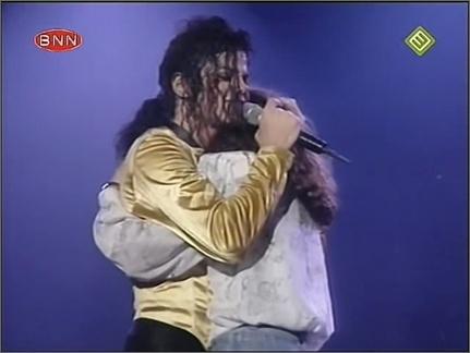 Dangerous Tour Bucharest (BNN/NED3 Unedited Version) Video Restaurado  Buchar17