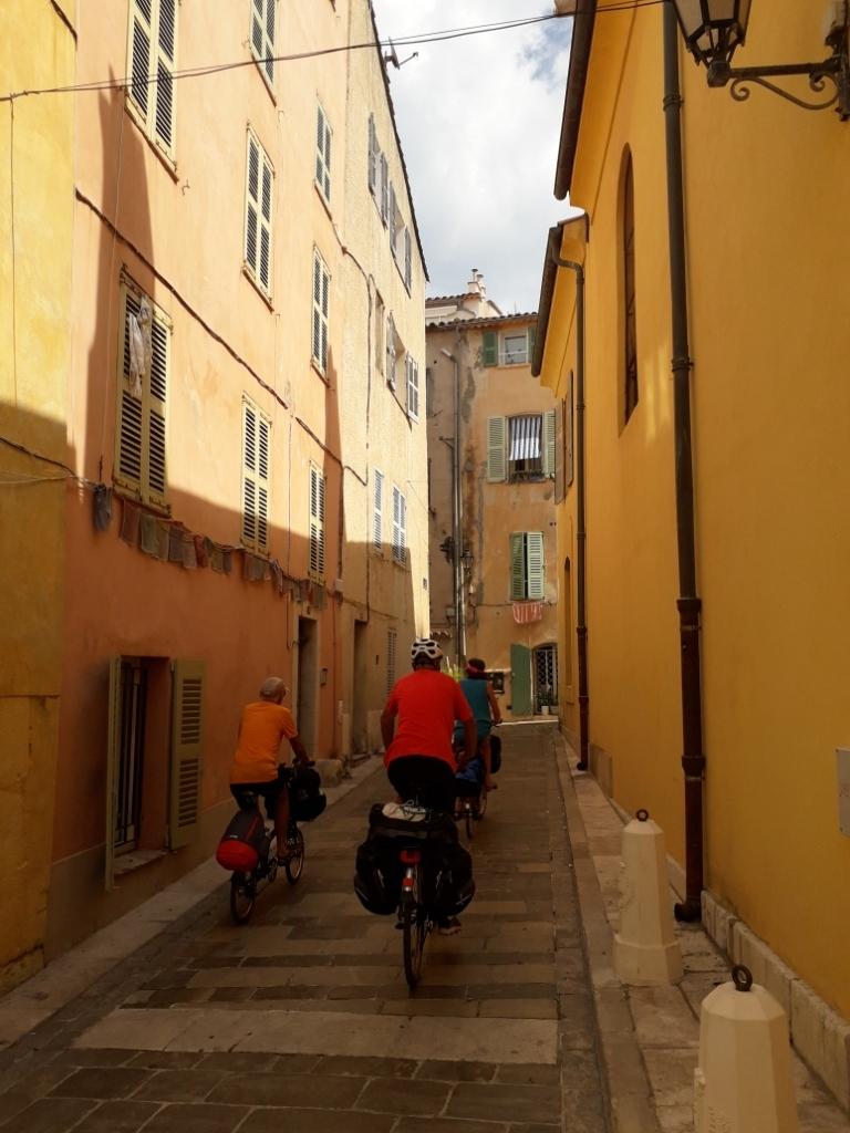 De la Riviera à la Gironde [5 au 30 septembre] saison 13 •B - Page 3 20180927