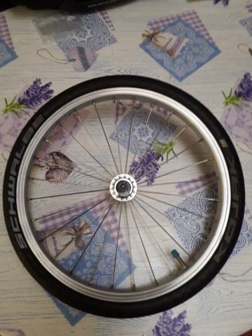 (VENDU) A vendre roue avant brompton simple paroi 20200123
