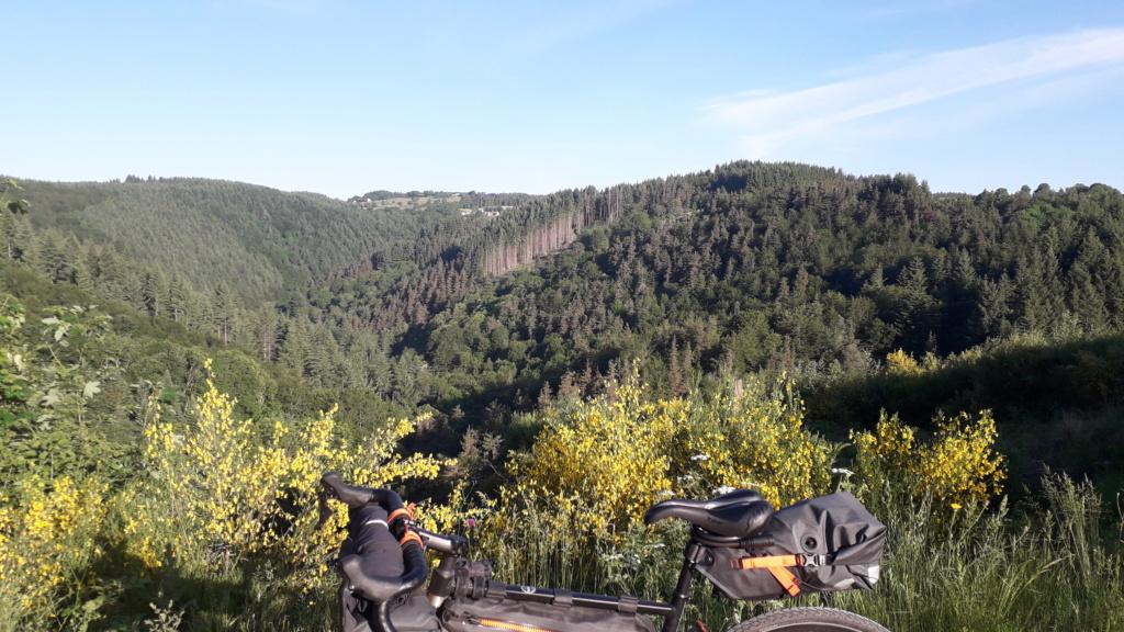 """Vélo buissonnier """"De la Bourgogne à la Drôme provençale"""" (10 au 16 juin 2021) 20210617"""