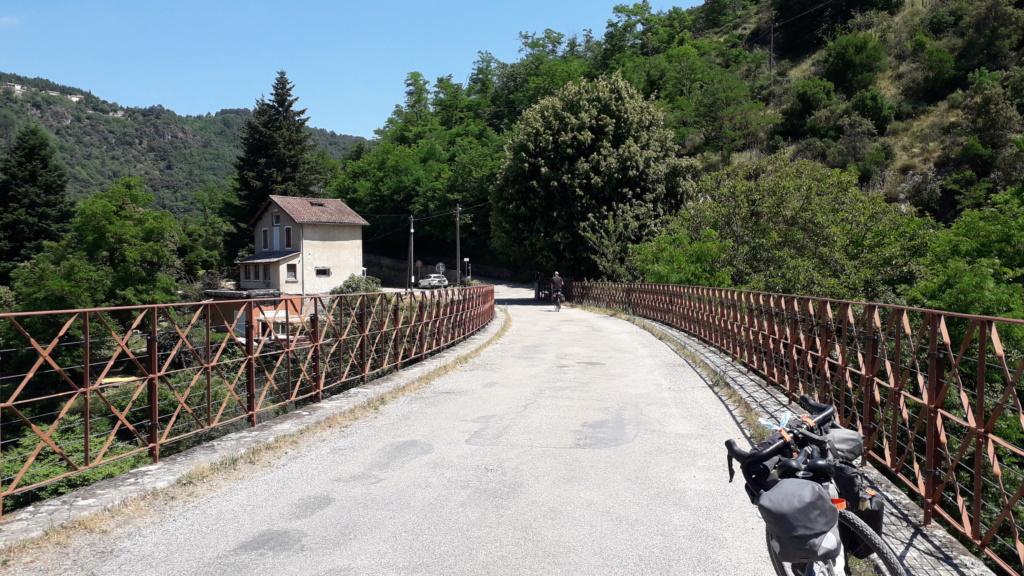 """Vélo buissonnier """"De la Bourgogne à la Drôme provençale"""" (10 au 16 juin 2021) 20210618"""
