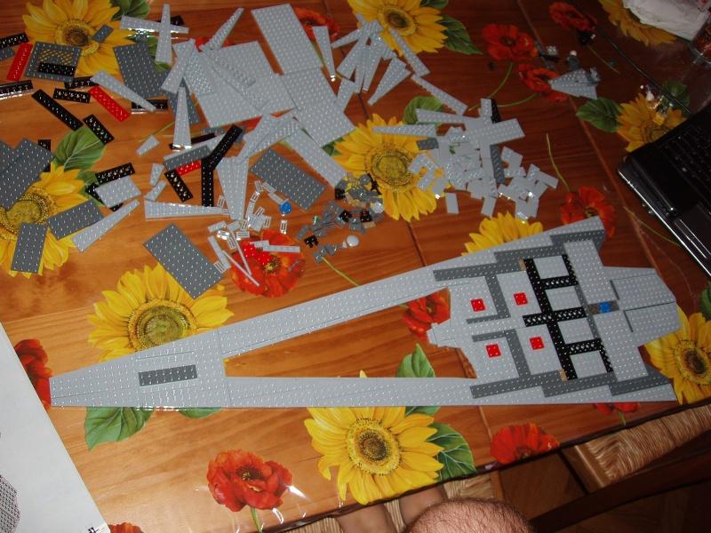 Lego Star Wars - 10221 - Super Star Destroyer UCS - Page 4 Pa130010