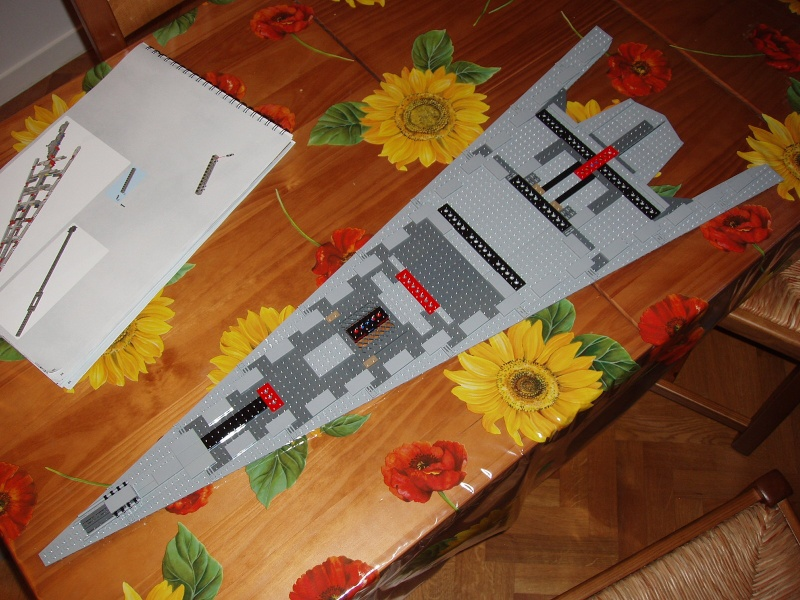 Lego Star Wars - 10221 - Super Star Destroyer UCS - Page 4 Pa130011