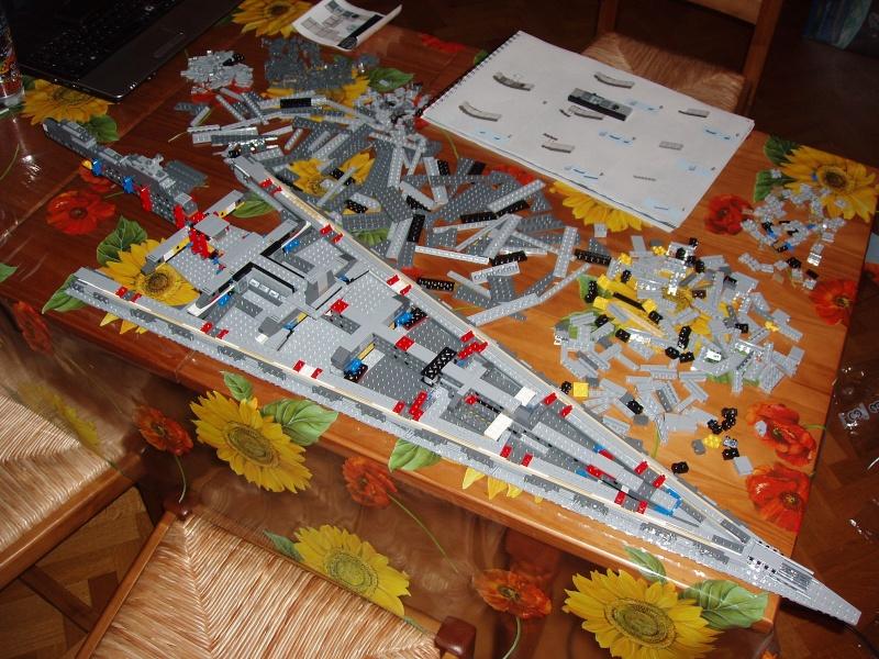 Lego Star Wars - 10221 - Super Star Destroyer UCS - Page 4 Pa130012