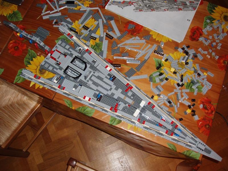Lego Star Wars - 10221 - Super Star Destroyer UCS - Page 4 Pa130013