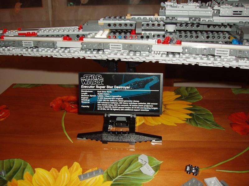 Lego Star Wars - 10221 - Super Star Destroyer UCS - Page 4 Pa140015