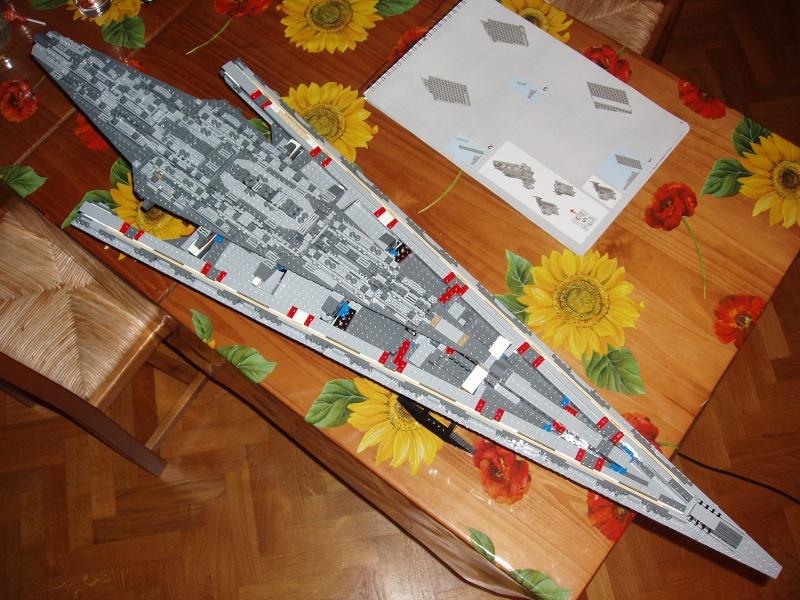 Lego Star Wars - 10221 - Super Star Destroyer UCS - Page 4 Pa140016