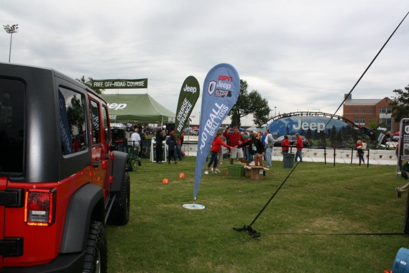 "2011 ESPN Jeep Ultimate Tailgate Experience ""US"" 29204110"