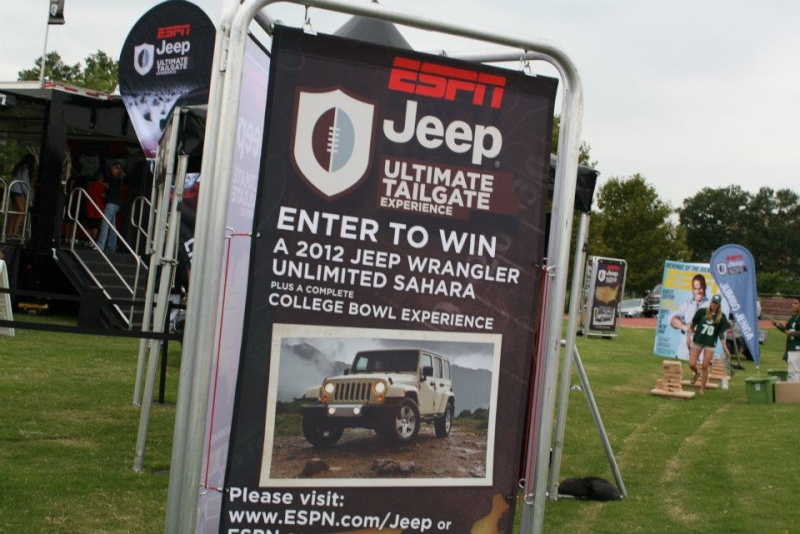 "2011 ESPN Jeep Ultimate Tailgate Experience ""US"" 29353610"