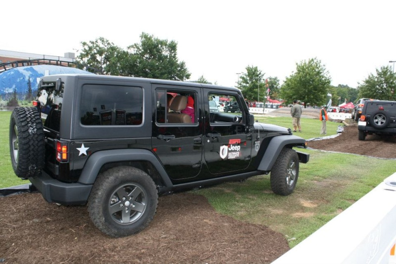 "2011 ESPN Jeep Ultimate Tailgate Experience ""US"" 30214810"