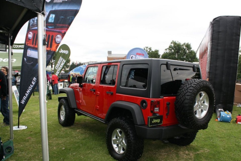 "2011 ESPN Jeep Ultimate Tailgate Experience ""US"" 31866310"