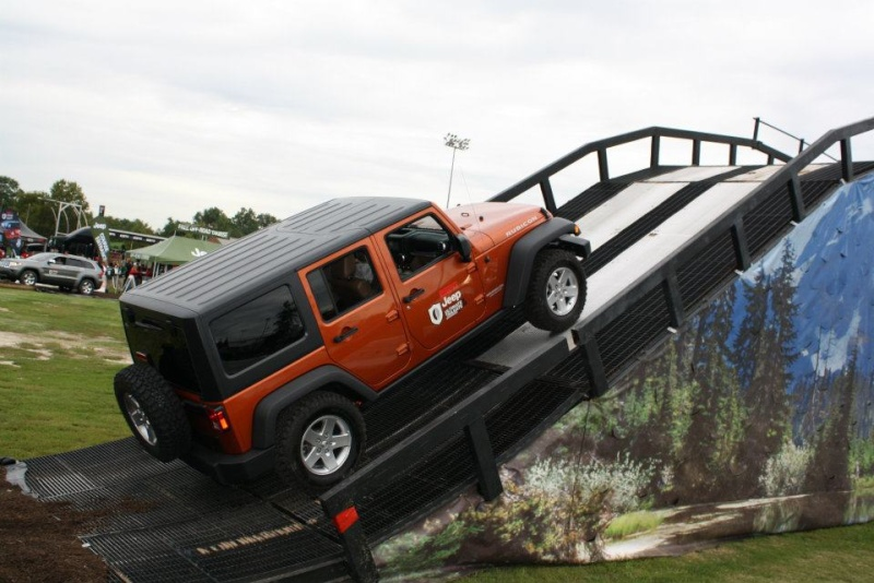 "2011 ESPN Jeep Ultimate Tailgate Experience ""US"" 31866610"