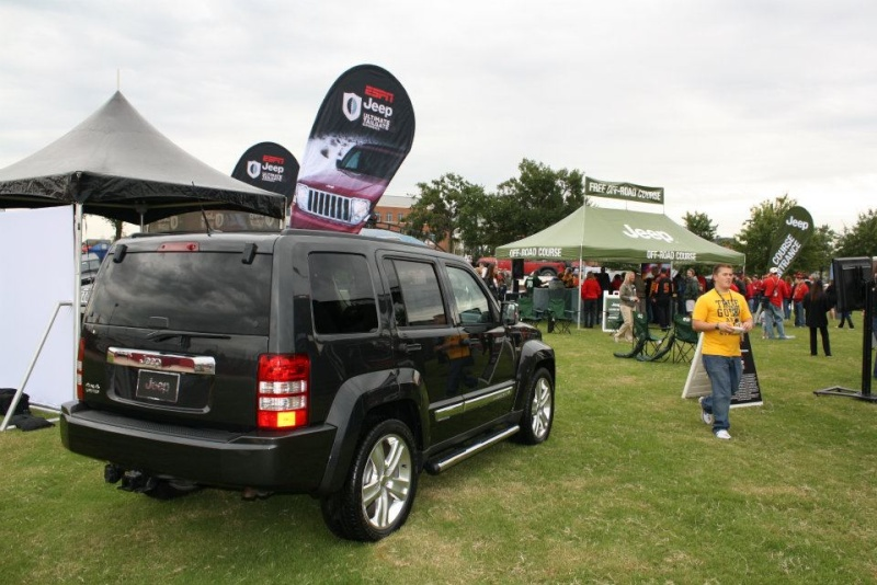 "2011 ESPN Jeep Ultimate Tailgate Experience ""US"" 31890610"