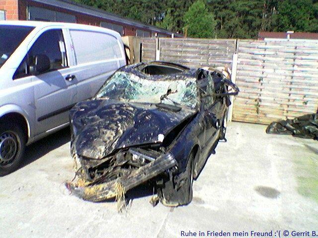 Ein E30 Cabrio weniger Crash210