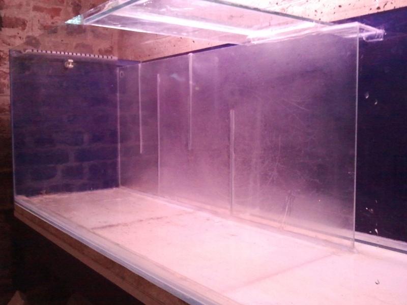 ma décante en plexis+ verre maison ( récup)  2012-013