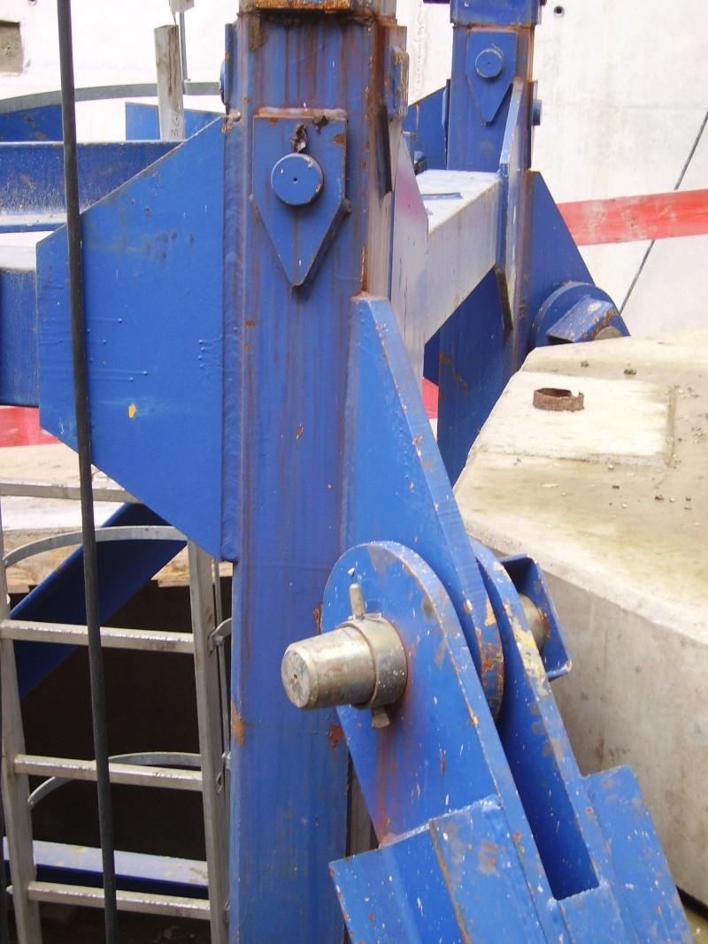Potain MD 365 B L16 : Châssis et cage de télescopage. Imgp1211