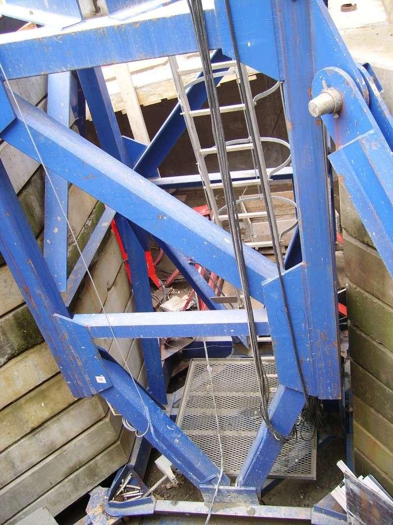 Potain MD 365 B L16 : Châssis et cage de télescopage. Imgp1214