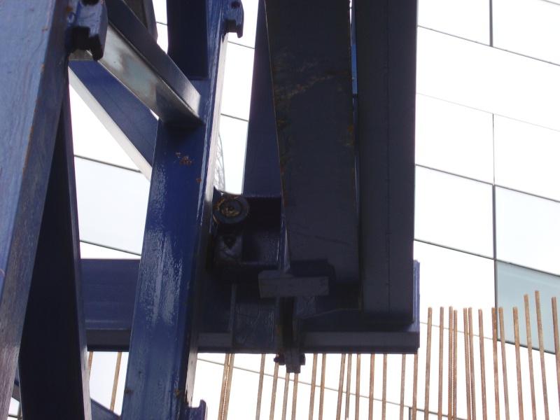Potain MD 365 B L16 : Châssis et cage de télescopage. Imgp1216