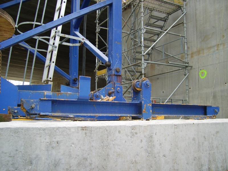 Potain MD 365 B L16 : Châssis et cage de télescopage. Imgp1219