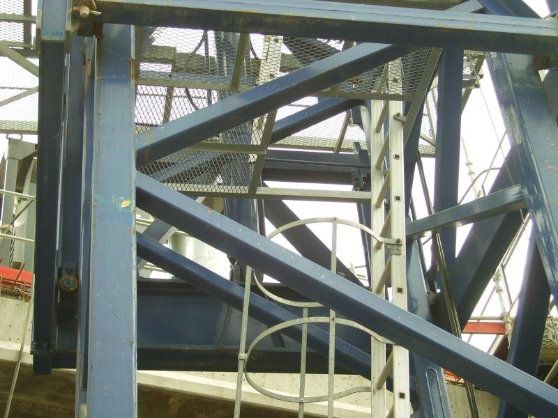 Potain MD 365 B L16 : Châssis et cage de télescopage. Imgp1220