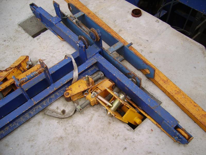 Potain MD 365 B L16 : Châssis et cage de télescopage. Imgp1222