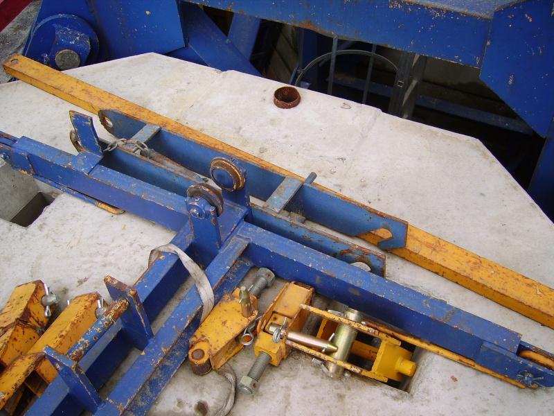 Potain MD 365 B L16 : Châssis et cage de télescopage. Imgp1225