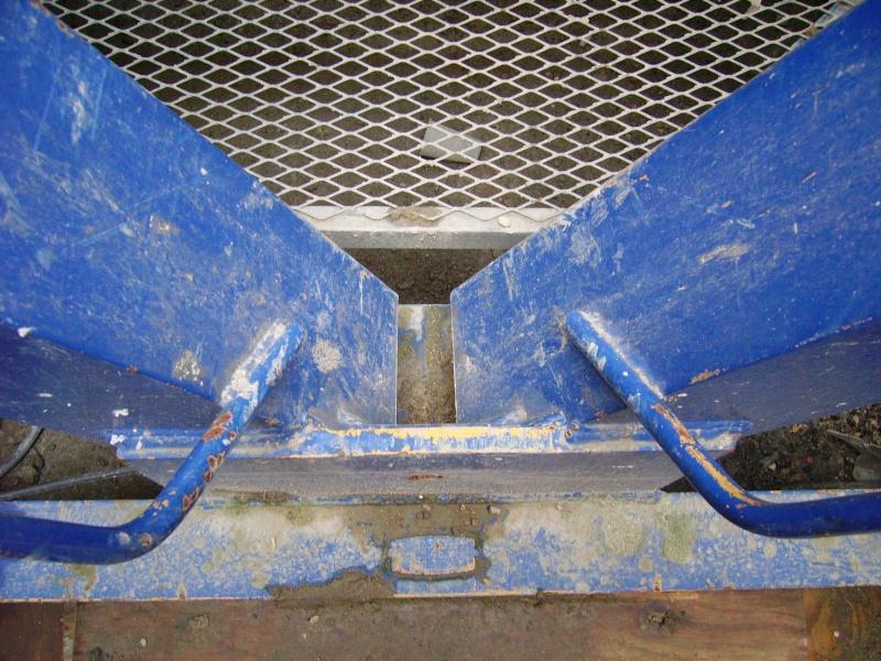 Potain MD 365 B L16 : Châssis et cage de télescopage. Imgp1230