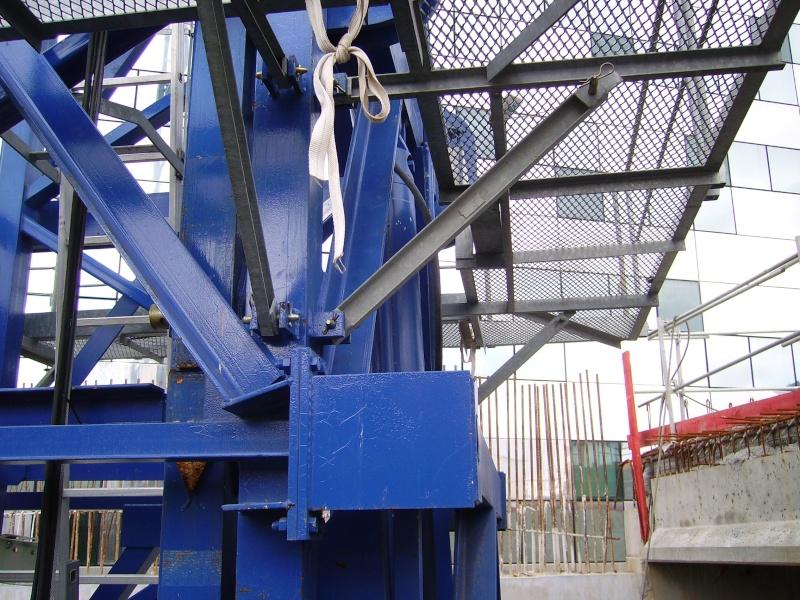 Potain MD 365 B L16 : Châssis et cage de télescopage. Imgp1244