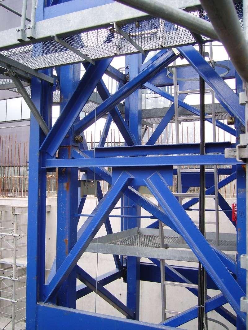 Potain MD 365 B L16 : Châssis et cage de télescopage. Imgp1246