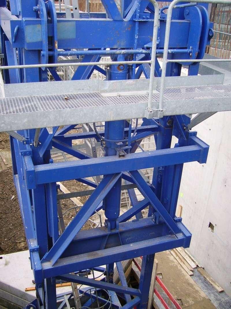 Potain MD 365 B L16 : Châssis et cage de télescopage. Imgp1248