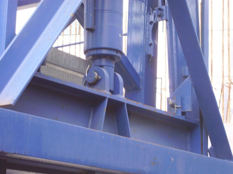Potain MD 365 B L16 : Châssis et cage de télescopage. Imgp1249