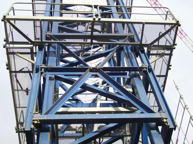 Potain MD 365 B L16 : Châssis et cage de télescopage. Imgp1257