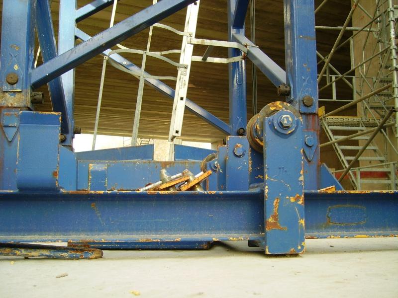 Potain MD 365 B L16 : Châssis et cage de télescopage. Imgp1258