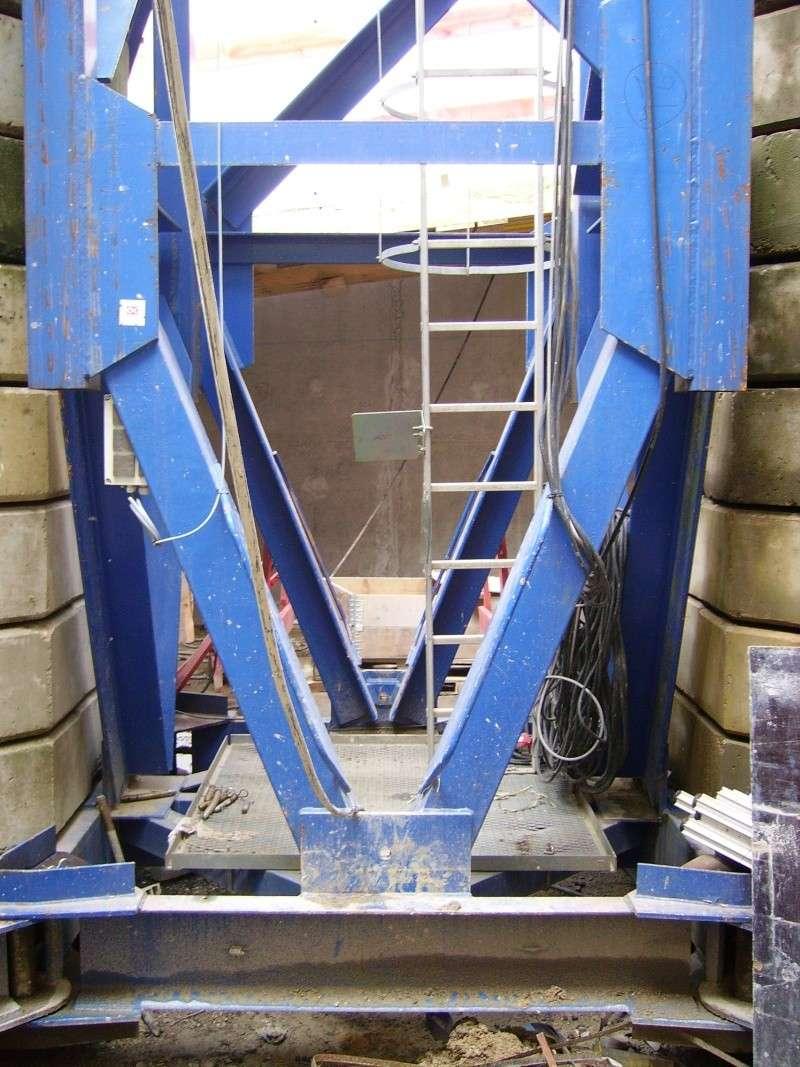 Potain MD 365 B L16 : Châssis et cage de télescopage. Imgp1260
