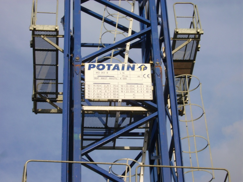 Potain MD 365 B L16 : Châssis et cage de télescopage. Imgp1262